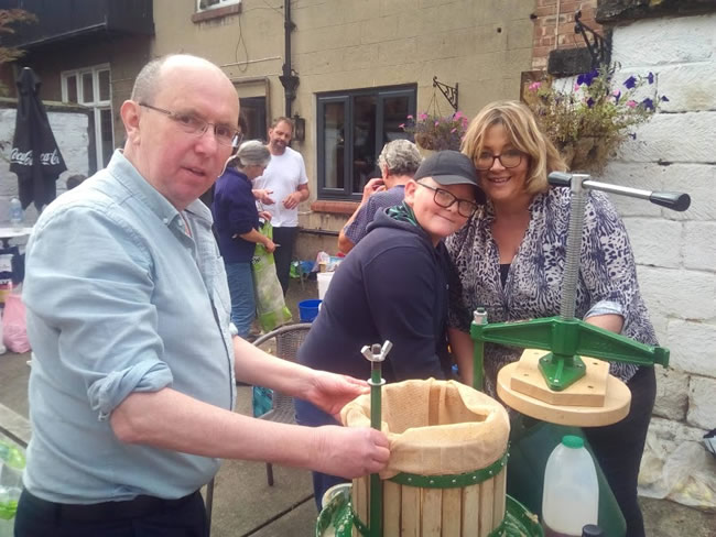 Great Ayton apple pressing community event